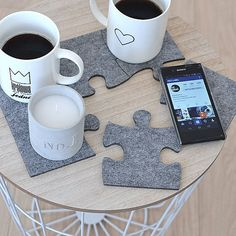 Felt coasters shape puzzle. The coasters is made form thick, ecological, grey felt (4mm 0.2), shape is careful cut by laser. Shape: puzzel Material: 4 mm (0.2) ecological felt Number of elements in the set: 6 Dimensions: single element 11,5 cm x 12,5 cm (4.5 x 4.9), 14,5 cm x 11 cm (5.7 x