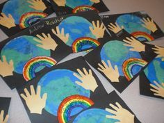 kids spring art projects Coffee filters and watercolor made this cool earth art! Earth Day Projects, Spring Art Projects, Earth Day Crafts, Spring Crafts, Earth Craft, Earth Day Activities, Art Activities, Spring Activities, Therapy Activities