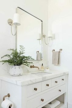 Guest Bathrooms, Modern Bathroom, Small Bathroom, Bathroom Ideas, Luxury Bathrooms, Minimalist Bathroom, Dream Bathrooms, White Bathroom Decor, White Vanity Bathroom