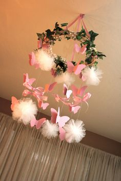 DIY Butterfly : Tutorial From A Catch My Party Member - How to Make a Butterfly Mobile Butterfly Birthday Party, Fairy Birthday Party, 1st Birthday Parties, Girl Parties, Ball Birthday, Borboleta Diy, How To Make Butterfly, Butterfly Mobile, Cinderella Party