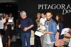 Il Maestro Gerardo Sacco assegna il premio Pitagora | Museo Pitagora delle arti e delle scienze Pitagora (KR).