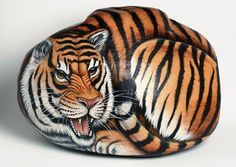 Pebble Painting, Pebble Art, Stone Painting, Diy Painting, Big Cats Art, Cat Art, Painted Rocks Kids, Painted Stones, Tiger Artwork