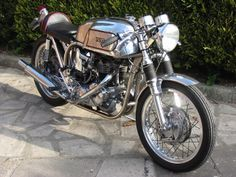 Tritons are Norton featherbed frames and Triumph engines.