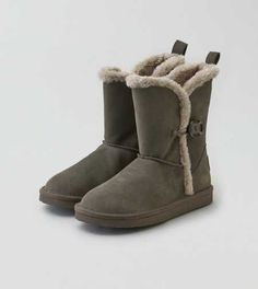 AEO Buttoned Cozy Boot  #AEOGifts  #Contest
