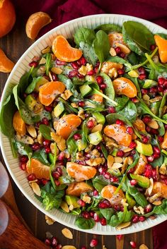 Mandarine Pomegranate Spinach Salad with Poppy Seed Dressing (Cooking Classy) Healthy Salads, Healthy Eating, Healthy Recipes, Taco Salads, Poppy Seed Dressing, Soup And Salad, Pasta Salad, Clean Eating Recipes, Pomegranate