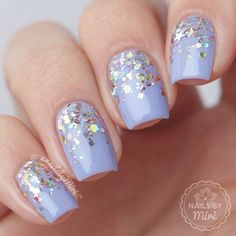Check out our amazing collection of glitter ombre nails to get inspired. We will also show you all the latest trends in the world of manicure. Great Nails, Cool Nail Art, Fun Nails, Nail Art Designs, Nail Pictures, Nagel Gel, Super Nails, Nail Trends, Gel Nail Polish