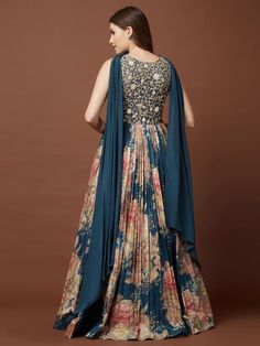 Fancy Wedding Dresses, Designer Party Wear Dresses, Kurti Designs Party Wear, Indian Designer Outfits, Dress Indian Style, Indian Dresses, New Dress Pattern, Online Shopping Sarees, Pakistani Formal Dresses
