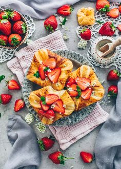 Strawberry Danish Pastry with Custard and Coconut Pastry Recipes, Dessert Recipes, Easy Homemade Desserts, Gluten Free Brands, Croissant Recipe, Puff Pastry Dough, Dairy Free Milk, Fruit Jam, Desert Recipes