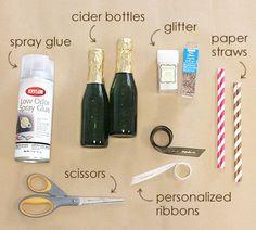 Diy wedding decorations glitter champagne bottles Ideas for 2019 Alcohol Bottles, Liquor Bottles, Glass Bottles, Champagne Birthday, Champagne Party, Gold Champagne, Diy Bottle, Bottle Crafts, Favors