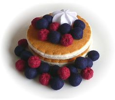 Pretend Play Kitchen - Pancakes, in Felt by Hiromi Hughes, via Flickr