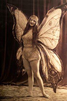 sisterwolf:  Fairy. Joaquín Blez 1925