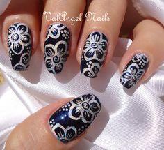 "ValAngel Nails Art: Nail art ""Holographic Flower"""