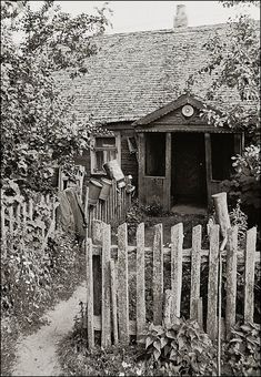 Landscape Pencil Drawings, A Wrinkle In Time, My Heritage, People Of The World, Krakow, East Side, Cottage, Cabin, House Styles