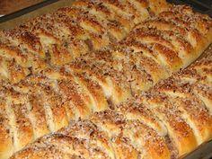 tid) Velegnet til frysning. Baking Recipes, Cake Recipes, Danish Food, Bread Cake, Love Cake, Sweet Bread, No Bake Desserts, Yummy Cakes, No Bake Cake
