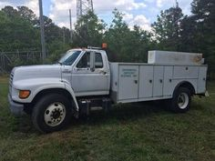 1998 Ford F800 for sale by owner on Heavy Equipment Registry  http://www.heavyequipmentregistry.com/heavy-equipment/16641.htm