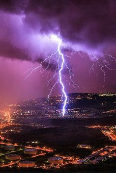 Incredible lightning | thunderstorm | | nature | | amazingnature | #nature #amazingnature https://biopop.com/