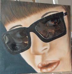 Mujer con lentes 2