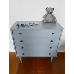 http://www.interieurvintage.fr/801-thickbox_default/commode-vintage-gris-clair.jpg / 255€