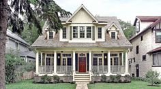 Bungalow Style home - i want this waaaay out in the country.