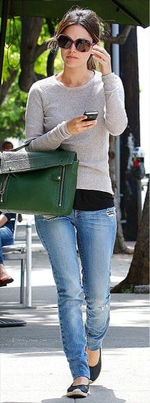 Comfy casual with color bag