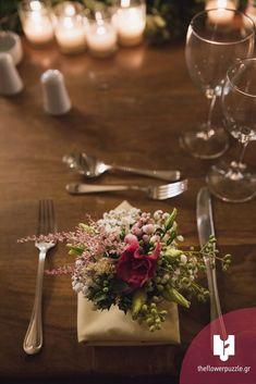 """Στολισμός στο τραπέζι δεξίωσης από το Flower Puzzle.  """"Κάθε event κι ένα αγαπημένο παζλ από λουλούδια!"""" Δείτε περισσότερα στο Gamos Portal!  #weddingflowers Table Decorations, Flowers, Home Decor, Decoration Home, Room Decor, Royal Icing Flowers, Home Interior Design, Flower, Florals"""