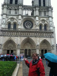 Flat Bob in Paris!  Help us raise awareness of SADS conditions and save young lives!  www.StopSADS.org/flat-bob