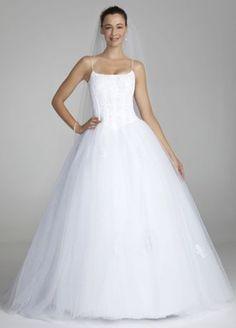 David's Bridal Spaghetti Strap Tulle Ball Gown Wedding Dress with Corset Wedding Dress Sizes, Bridal Wedding Dresses, Bridal Style, Tulle Wedding, Wedding Attire, Photomontage, Tulle Ball Gown, Ball Gowns, Chiffon
