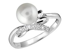 Unique Pearl Engagement Rings With Diamond
