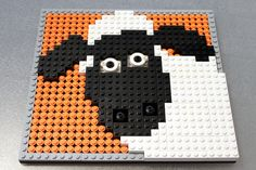 Shaun the Sheep van Lego (plat) Deco Lego, Lego Wall, Lego Animals, Lego Activities, Mosaic Art, Mosaics, Mosaic Tiles, Lego Club, Appliques
