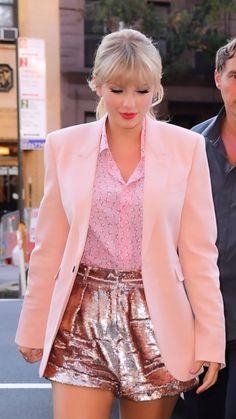 Taylor Swift Rot, Estilo Taylor Swift, All About Taylor Swift, Long Live Taylor Swift, Taylor Swift Facts, Taylor Swift Style, Taylor Swift Pictures, Taylor Alison Swift, Estilo Aria Montgomery
