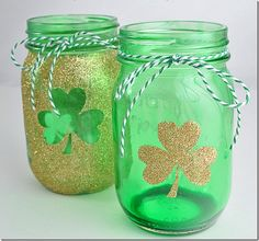 Shamrock Mason Jars | Mason Jar Craft Ideas for St. Patrick's Day @ Mason Jar Crafts Love