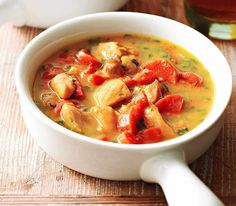 Short on time? Consider this slow-cooked chicken stew recipe. Spend just 20 minutes prepping in the morning and you'll come home to a hearty dish. Serve it over basmati rice or with a slice of crusty bread. Low Carb Slow Cooker, Best Slow Cooker, Slow Cooker Soup, Slow Cooker Recipes, Soup Recipes, Curry Recipes, Crockpot Recipes, Juice Recipes, Slow Cooked Chicken