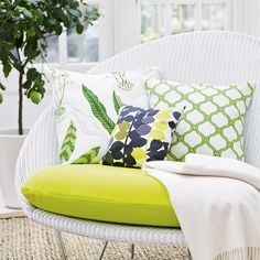 Turn your garden into a striking garden room with our pick of the best garden room design ideas. Plus tips on accessorising your conservatory Small Conservatory, Conservatory Design, Conservatory Furniture, Conservatory Interiors, White Wicker Chair, White Wicker Furniture, Cane Furniture, Wicker Chairs, Handmade Furniture