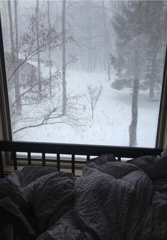 1000 ideas about pictures i like on pinterest rainy for Sleeping with window open in winter
