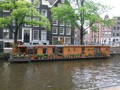 Sabbatical in Delft and beyond: Dutch scenes: boat houses
