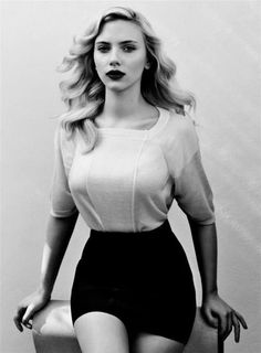Scarlett, love that she always has a full (healthy) figure in her movies...she never compensates for skinny