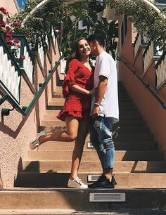 Maddie Ziegler  #MaddieZiegler Celebrates Her 15th Birthday With Her Boyfriend 30/09/2017 http://ift.tt/2y0uGdn