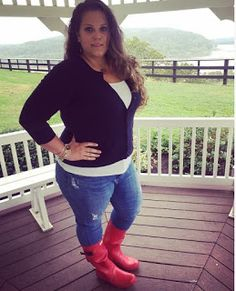 Classically Curvy Plus size fashion. Red Hunter Boots. Huntress. J Crew Cardigan