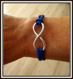 bracelet ***INFINI*** bleu irisé en suédine FAIT MAIN : Bracelet par cricri-fee-creative
