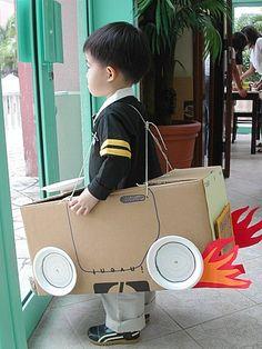 coche-con-caja-de-carton