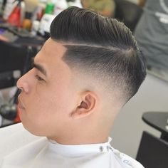 Great picture from raychilds-uk best in the web Great Haircuts, Trendy Haircuts, Haircuts For Men, Latest Men Hairstyles, Cool Hairstyles For Men, Men's Hairstyles, Hair Salon Names, Hair And Beard Styles, Hair Styles