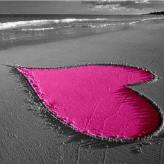 Purple love in the sand. Purple Love, All Things Purple, Pretty In Pink, Purple Hearts, Pink Color, Grey Colors, Pretty Beach, Purple Rain, Color Pop