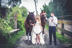 Sesja ślubna w stadninie koni | Wedding session in horse stable | Kamila Panasiuk Fotografia www.kamilapanasiuk.pl