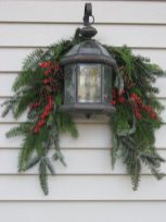 Are you searching for inspiration for farmhouse christmas decor? Check this out for cool farmhouse christmas decor images. This cool farmhouse christmas decor ideas will look superb. Noel Christmas, Rustic Christmas, Christmas Projects, Winter Christmas, Christmas Ornaments, Christmas Displays, Christmas Ideas, Christmas Lanterns, Christmas Greenery