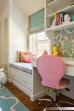 someday when I have an office I want a window seat right next to it. on this, i'd put curtains around the window seat Eyebrow Makeup Tips Built In Desk, Room, Interior, Home, Room Inspiration, Girl Room, Room Decor, Bedroom Decor, Window Seat