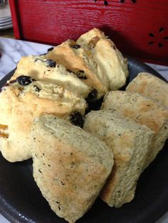 "Scones: ""Blackberry Flavored Tea's Scone"" and ""Raisin (Red Flam Seedless, Golden Simpson and Crimson Seedless) & Yogurt's Scone"""