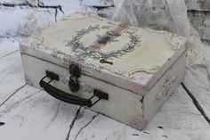 This is a beautifully upcycled in French cottage style vintage boxsuitcase Its so pretty and elegant charming In very good vintage condition I have added 8 metal cornersm. Vintage Trunks, Vintage Box, Shabby Vintage, Vintage Home Decor, Shabby Chic, Vintage Suitcase Table, Suitcase Decor, Suitcase Storage, Painted Boxes