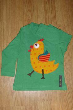 Camiseta personalizada a mano con botones, telas y fieltro. Gall, Gallo, Cocq, Rooster.