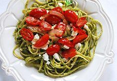 Pasta with Cilantro-Parsley Pesto, Tomatoes and Feta Cilantro Recipes, Veggie Recipes, Great Recipes, Vegetarian Recipes, Favorite Recipes, Parsley Pesto, Cilantro Pesto, Pesto Vinaigrette