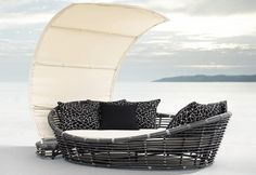 The Vienne Collection All Weather Wicker Patio Furniture Daybed With Sun Sail
